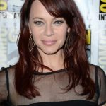 Melinda Clarke Bra Size, Age, Weight, Height, Measurements