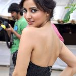 Neha Sharma Bra Size, Age, Weight, Height, Measurements