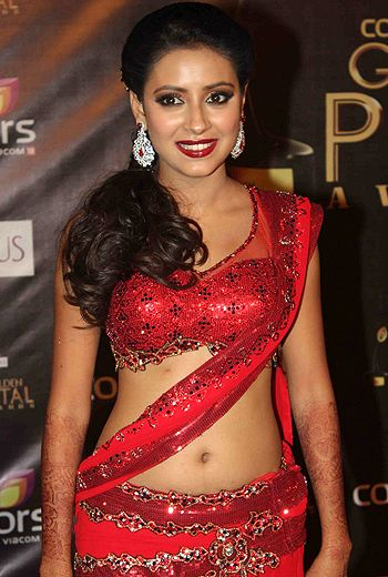 Pratyusha Banerjee Bra Size, Age, Weight, Height, Measurements ...
