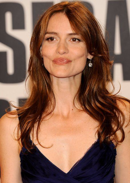 Saffron Burrows Nude Photos 6