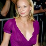 Samantha Mathis Bra Size, Age, Weight, Height, Measurements