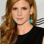Sarah Rafferty Bra Size, Age, Weight, Height, Measurements