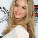 Sasha Pieterse Bra Size, Age, Weight, Height, Measurements