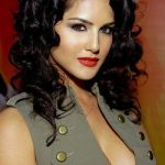 Sunny Leone Bra Size, Age, Weight, Height, Measurements