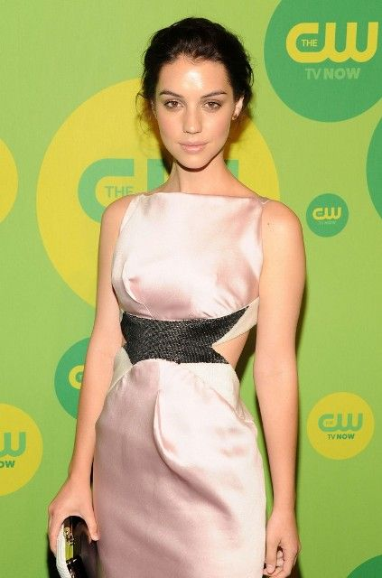 Adelaide Kane Weight adelaide kane bra size, age, weight, height, measurements
