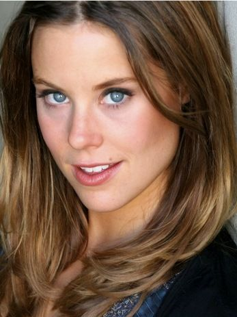Ashley Williams Bra Size, Age, Weight, Height ...