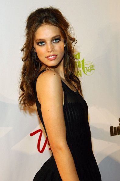 Emily didonato bra size age weight height measurements for Model height