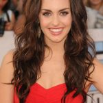 Kathryn McCormick Bra Size, Age, Weight, Height, Measurements