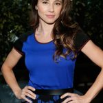 Linda Cardellini Bra Size, Age, Weight, Height, Measurements