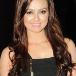 Sana Khan Bra Size, Age, Weight, Height, Measurements