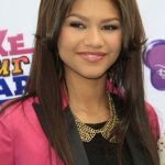 Zendaya Coleman Bra Size, Age, Weight, Height, Measurements