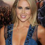 Anna Hutchison Bra Size, Age, Weight, Height, Measurements