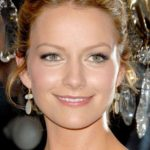 Becki Newton Bra Size, Age, Weight, Height, Measurements