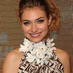 Imogen Poots Bra Size, Age, Weight, Height, Measurements