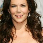 Lauren Graham Bra Size, Age, Weight, Height, Measurements