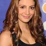 Nasim Pedrad Bra Size, Age, Weight, Height, Measurements