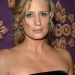 Samantha Smith Bra Size, Age, Weight, Height, Measurements