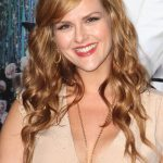 Sara Rue Bra Size, Age, Weight, Height, Measurements