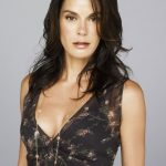 Teri Hatcher Bra Size, Age, Weight, Height, Measurements