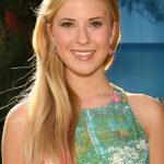 Caroline Sunshine Bra Size, Age, Weight, Height, Measurements