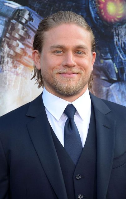 Charlie Hunnam Age, Weight, Height, Measurements ... Pacific Rim Cast