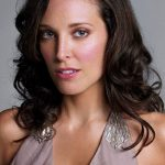 Erin Daniels Bra Size, Age, Weight, Height, Measurements