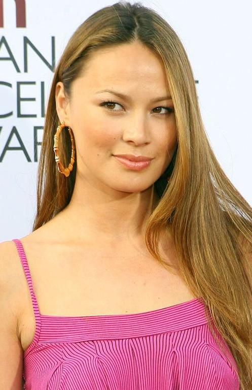 Moon Bloodgood Bra Size, Age, Weight, Height, Measurements ...