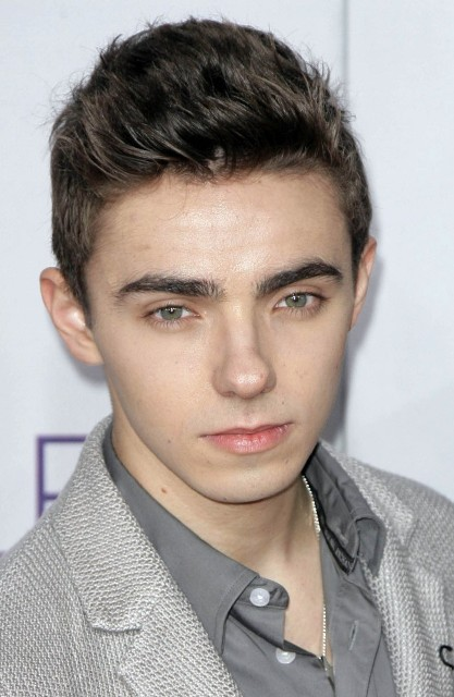 nathan sykes age weight height measurements celebrity