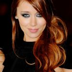 Una Healy Bra Size, Age, Weight, Height, Measurements