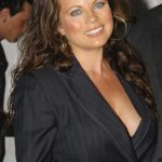 Yasmine Bleeth Bra Size, Age, Weight, Height, Measurements