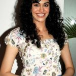 Adah Sharma Bra Size, Age, Weight, Height, Measurements