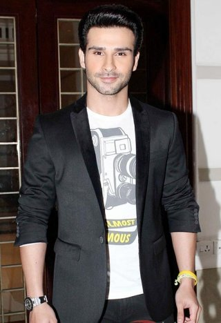 girish kumar age weight height measurements celebrity