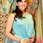 Isha Koppikar Bra Size, Age, Weight, Measurements