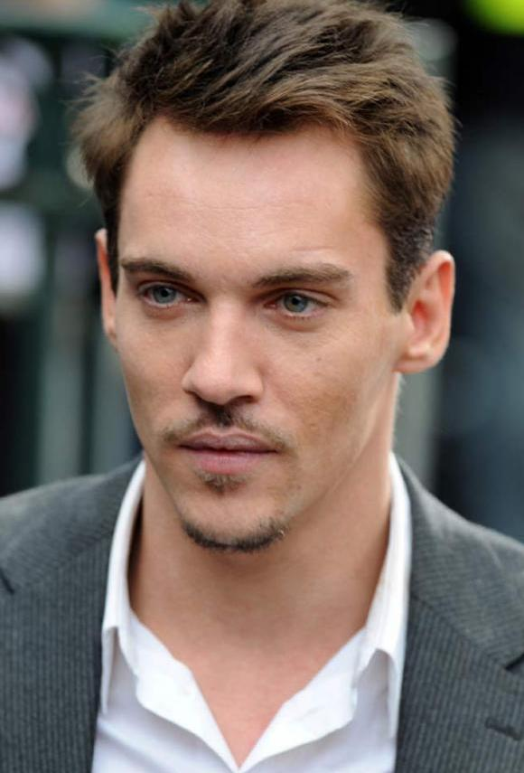 Jonathan Rhys Meyers Age Weight Height Measurements