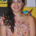 Manjari Phadnis Bra Size, Age, Weight, Height, Measurements