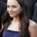 Norah Jones Bra Size, Age, Weight, Height, Measurements