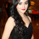 Ragini Nandwani Bra Size, Age, Weight, Height, Measurements