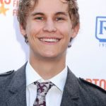 Rhys Wakefield Age, Weight, Height, Measurements