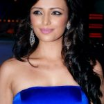 Roshni Chopra Bra Size, Age, Weight, Height, Measurements