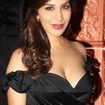 Sophie Choudry Bra Size, Age, Weight, Height, Measurements