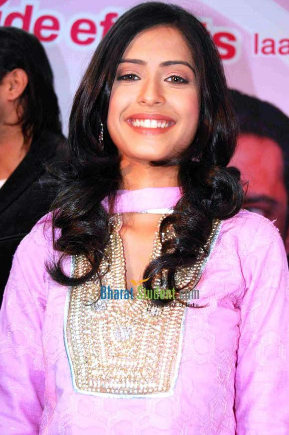 dimple jhangiani real sister