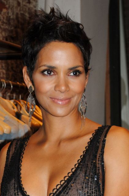 Halle Berry Workout Routine And Diet Plan: Halle Berry Plastic Surgery Before And After