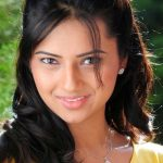Isha Chawla Bra Size, Age, Weight, Height, Measurements