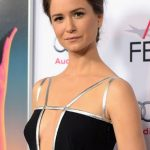 Katherine Waterston Bra Size, Age, Weight, Height, Measurements