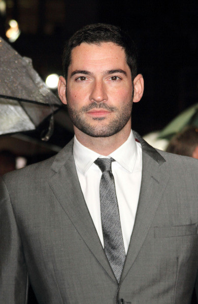 Tom Ellis Age, Weight, Height, Measurements - Celebrity Sizes