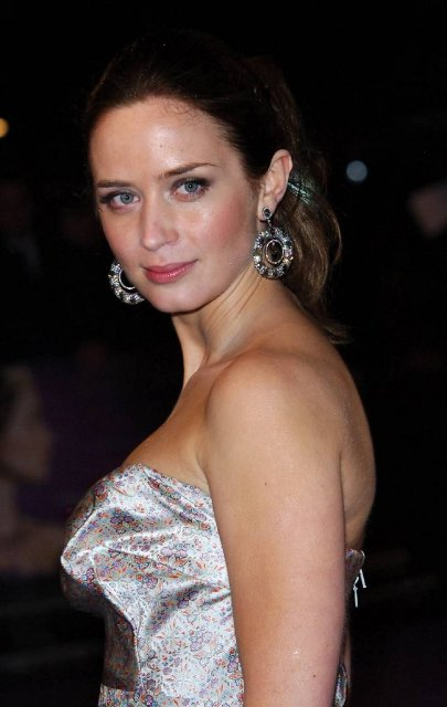 Emily Blunt Net Worth Celebrity Sizes
