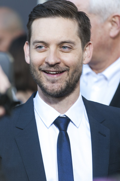 Tobey Maguire Net Worth - Celebrity Sizes