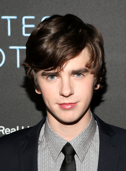freddie highmore - photo #20