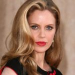 Kristin Bauer van Straten Net Worth