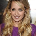 Megan Park Bra Size, Age, Weight, Height, Measurements
